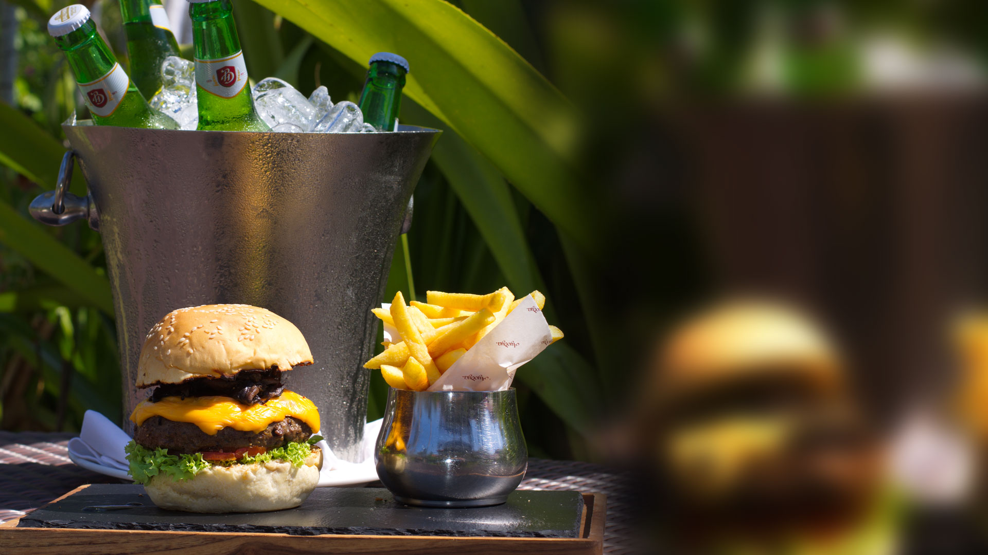 Beer Bucket & Burger